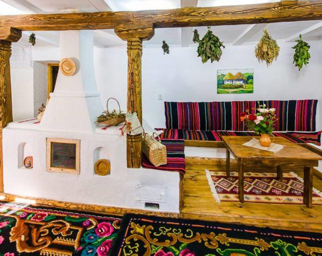 https://voyages-moldavie.com/wp-content/uploads/2019/07/Eco-Resort-Butuceni_1-e1562773063849-640x510.jpg