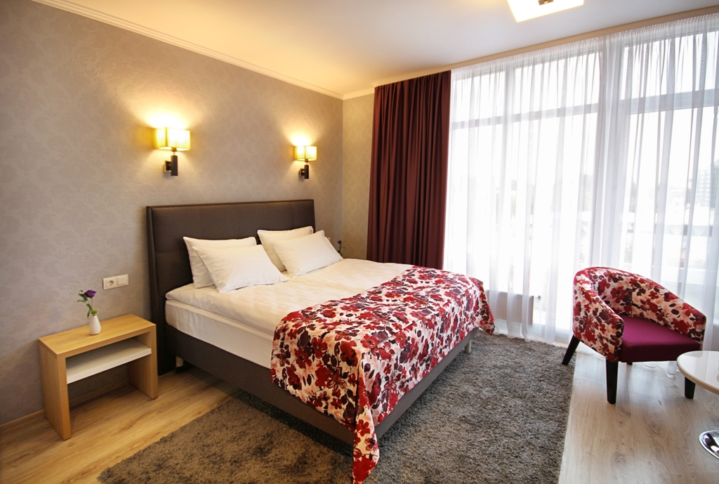 https://voyages-moldavie.com/wp-content/uploads/2019/07/Hotel-City-Park_standart_room.jpg