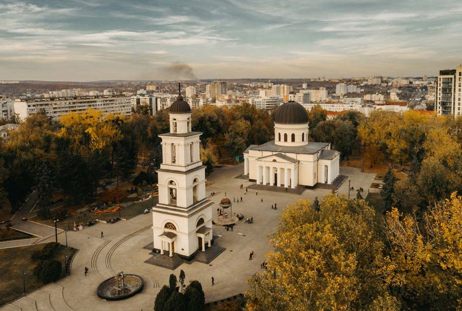 https://voyages-moldavie.com/wp-content/uploads/2020/11/44951215_1170825753065781_213275083643289600_o-950x640.jpg